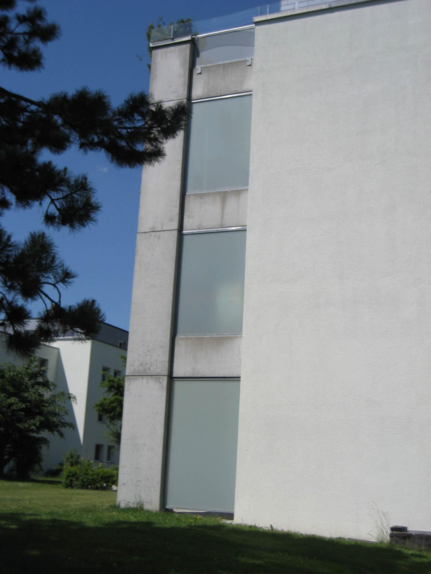 Windschutzwand mit Mattglas